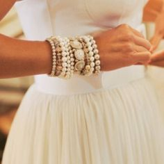 full skirts, stacked bracelets, arm party, accessori, pearls