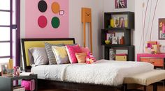 14 Creative Ways To Paint Your Kid's Room: No. 14, Paint above the headboard.