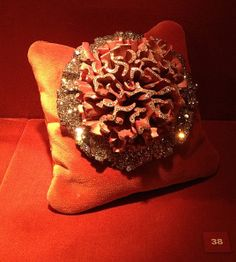 JAR Carnation Brooch 2011 Sapphires, diamonds, aluminum, silver, gold. Private Collection   #jewelsbyjar #jarparis #joelarthurrosenthal #overmydeadrubies via sweetsabelle