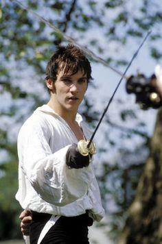 Still of Jonathan Rhys Meyers in Vanity Fair (2004)