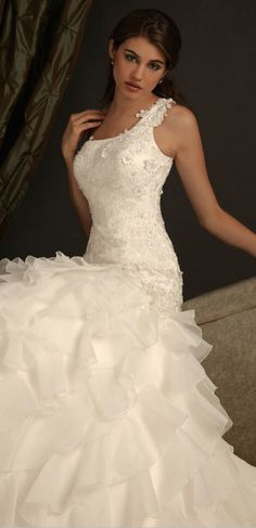 gorgeous one shoulder wedding dresses