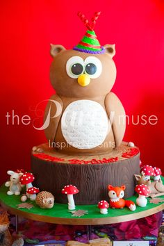 Owl Cake at a Woodland Party #woodland #party