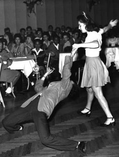 "Dancing at the integrated hall ""The Palomar"" in Los Angeles (1940s)"