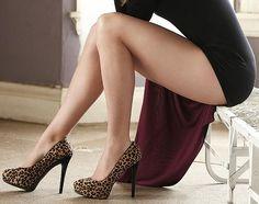 Yvonne strahovski in High Heels