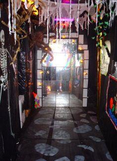 Halloween theme on pinterest halloween halloween for Haunted house hallway ideas