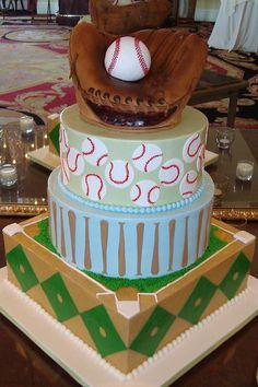What an awesome baseball cake!