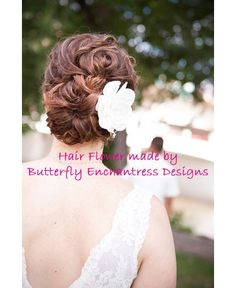 Love this updo. And the gardenia clip