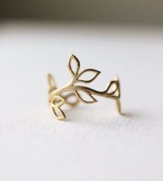 Delicate Leaf Branch ring