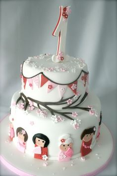 kawaii, kokeshi dolls first birthday cake by www.tourtes.com