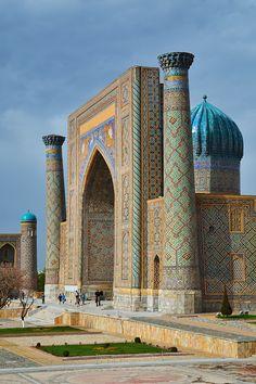 Sher-dor Madrasah, Uzbekistan