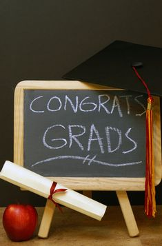 Decorate a mini chalkboard with a congratulations message for the grad #decorations #graduation #party