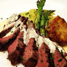 Bistrot Steak with Lobster cream and crabcake