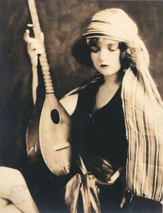 Alfred Cheney Johnston - Clara Bow.Early 1920s Vintage gelatin silver