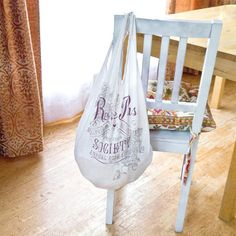 Eco Chic: Upcycled T-Shirt Grocery Bag So silly Simple:)