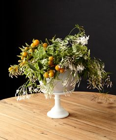 Summoning Spring | centerpiece with a balance of organic and simple chic to celebrate the arrival of Spring!