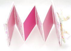 Baby Girl Small Scrapbook Album Baby Shower von BGPaperMemories, $10.00