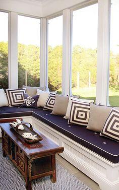 Window seat wall in a sun room