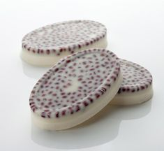 Wiccy Magic Muscles Massage Bar NEW - we've aerated the cocoa and shea butter blend in this bestselling bar, so you get a massage bar that's easier to melt and more velvety on the skin. The top layer is our original massage bar mix, to hold in the aduki beans and provide a satisfying mini massage when applied direct to the skin.
