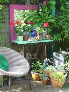 Idea: use any old mirror you were going to toss spray paint for a fast art project for the garden :)