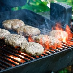 Burgers 101: Tips for making the best grilled hamburgers ever