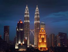 """Bloomberg News 