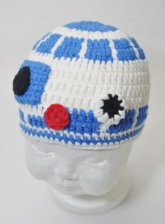 R2D2 baby hat and other amazing (geeky) options hand crocheted at Geekling.