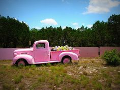 I NEED A PINK TRUCK!!