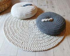 Round Pillow Crochet  Gray by lacasadecoto