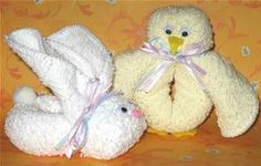 Easter bunny towel origami. Online video tutorial: http://foldingmagic.com/easter-crafts-for-children-easter-crafts-for-kids/ towel art, towel anim, cruis towel, towel origami, towel fold, fold towel, towel sculptur