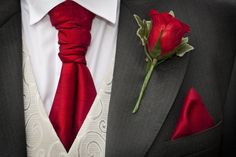 Red wedding ideas for the groom