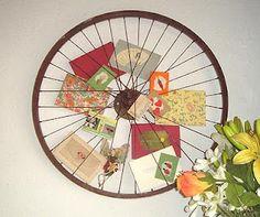 Bike wheel photo holder