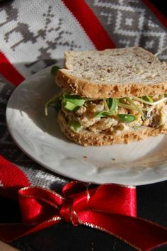 Chickpea, nuts and Cranberries Sandwiches #vegan