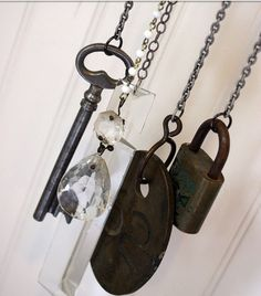 http://www.thegardenglove.com/wp-content/uploads/2013/10/key-wind-chimes.jpg old keys, diy wind, skeleton keys, wind chimes ideas, chime idea, wind chimed, diy key wind chime, back porches, make your own wind chime