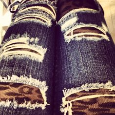 leopard & ripped jeans!