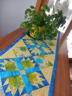 Quilted Table Runner French Country Paws