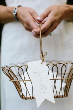 wedding advice basket - Have guests write wedding wishes and have them place them in a super cute basket.