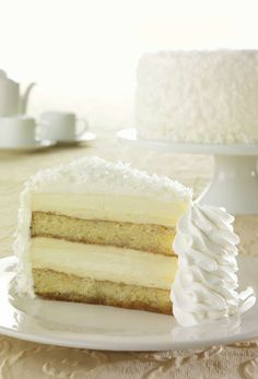 Pina Colada Cake Cheesecake