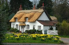 country cottages, cottage houses, dream homes, cottage gardens, english cottages, countri cottag, english country, place, dream houses
