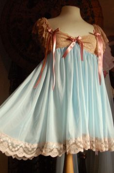 vintage night gown short  Love the color