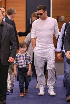 Ricky Martin y sus gemelos 'modelo' presumen de estilo. El artista llegó a Australia para ejercer de jurado en el concurso The Voice #Noticias