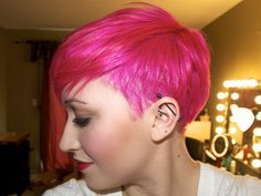 Love this. Cut & color. Obviously I'd never pull off pink, but I want this type of cut, I'd bring some of the longer top layers down over the undercut. | Look around!