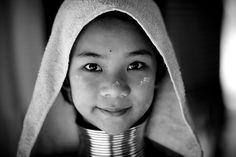 long neck Kayan girl, Thailand. by Eric Lafforgue