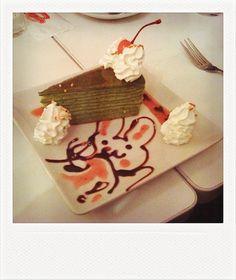 maid cafe cake