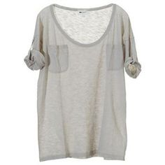Tee-shirt avec Poches, Vanessa Bruno.    Sold out, but the link goes to Vanessa Bruno's page at The Outnet.