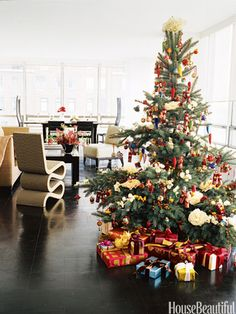 Unique Holiday Decorating Ideas - Designer Christmas Decoration Ideas - House Beautiful