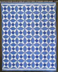 Clean Graphic Beauty! VINTAGE 30-40s Blue & White QUILT 82x66 Cottage Home Sweet  Vintageblessings