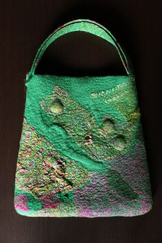 Excellent example of how artful these purses can be...