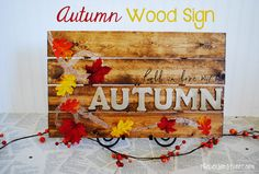DIY Autumn Pallet Sign without the pallet! Great and easy tutorial for unique fall decor at thebensonstreet.com #autumn #pallet #leaves #glitter