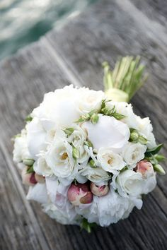 hand-tied bouquet #p