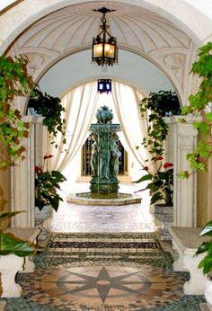Casa Casuarina, Gianni Versace's Former Mansion